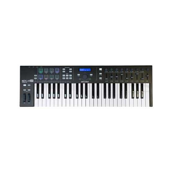 Arturia KeyLab49Essential BlackEdition 01 1 555x555 Sintetizzatori e Drum Machine, Sintetizzatori e Tastiere, Midi Controllers