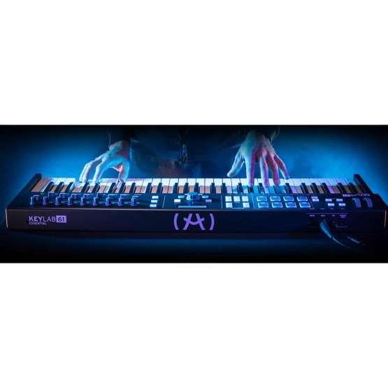 Arturia KeyLab61Essential BlackEdition 02 555x555 Sintetizzatori e Drum Machine, Sintetizzatori e Tastiere, Midi Controllers