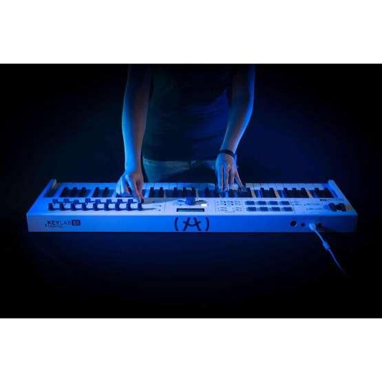 Arturia Keylab61 Essential 05 555x555 Sintetizzatori e Drum Machine, Sintetizzatori e Tastiere, Midi Controllers