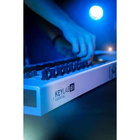 Arturia Keylab61 Essential 07 555x555 Sintetizzatori e Drum Machine, Sintetizzatori e Tastiere, Midi Controllers