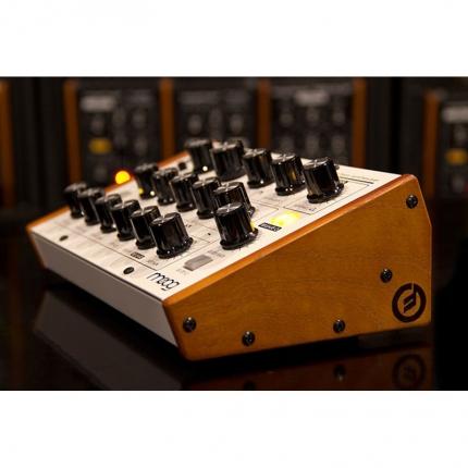 Moog MiniTaur Wood Side Kit Sintetizzatori e Drum Machine, Accessori Moog MiniTaur Wood Side Kit 02 430x430