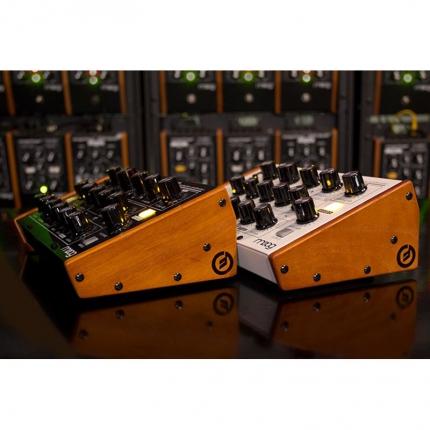 Moog MiniTaur Wood Side Kit Sintetizzatori e Drum Machine, Accessori Moog MiniTaur Wood Side Kit 04 430x430