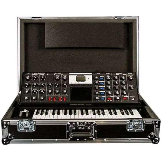 Moog Minimoog Voyager ATA Road Case 01 555x555 Sintetizzatori e Drum Machine, Accessori per Sintetizzatori, Borse e Custodie