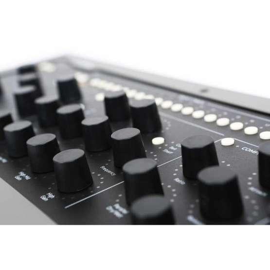 Softube Console1 Mk2 06 555x555 Accessori per il tuo Audio Professionale, Plug ins Audio Pro, Remote Controller, Software audio, Strumentazioni Pro Audio per studi di registrazione