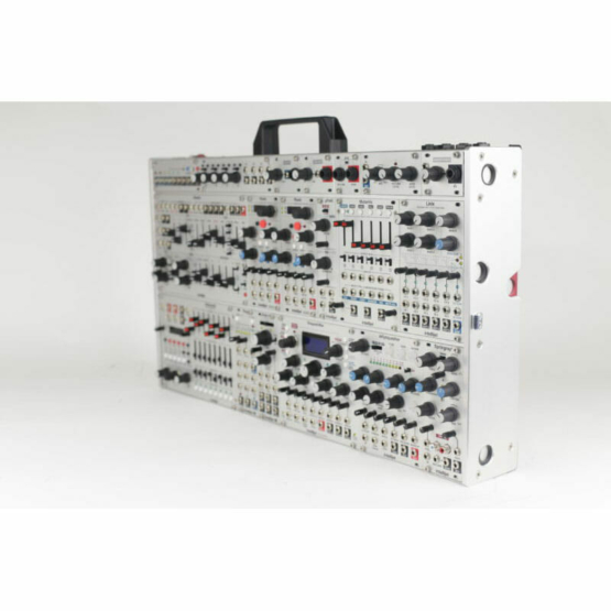 Intellijel Designs 7U Case silver panel view 1 555x555 Sintetizzatori e Drum Machine, Case Eurorack