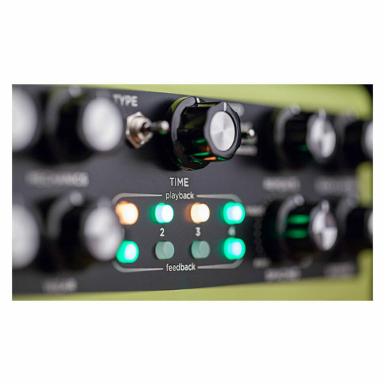 Strymon Volante detail top 555x555 Pedali Stompbox