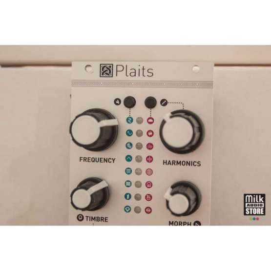 Mutable Instruments Plaits usato detail 555x555 Mutable Instruments Plaits (usato)