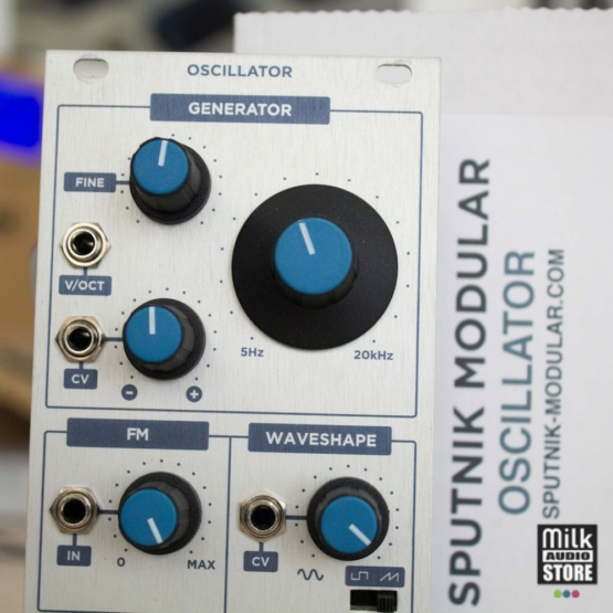 Sputnik Modular Oscillator usato detail 555x555 Sputnik Modular Oscillator (usato)
