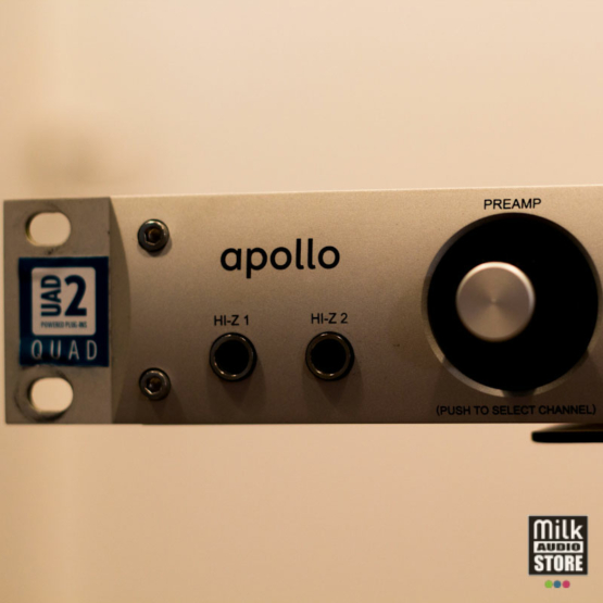 Universal Audio Apollo Firewire QUAD usato left view 555x555 Universal Audio Apollo Firewire QUAD (usato)