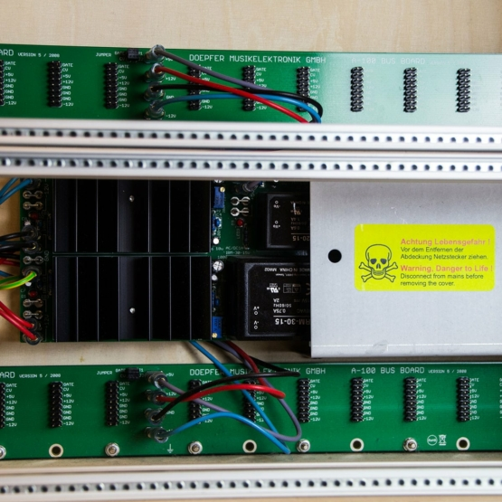 Doepfer A 100LC6 PSU3 usato used detail view 555x555 Doepfer A 100LC6 with PSU3 (used)